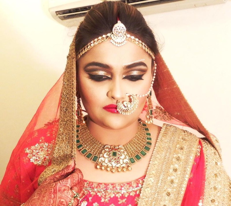 Makeup By Monisha Bathija is a bridal makeup artist in Mumbai who specialises in everything from HD makeup to airbrush makeup. She is your go-to makeup ...