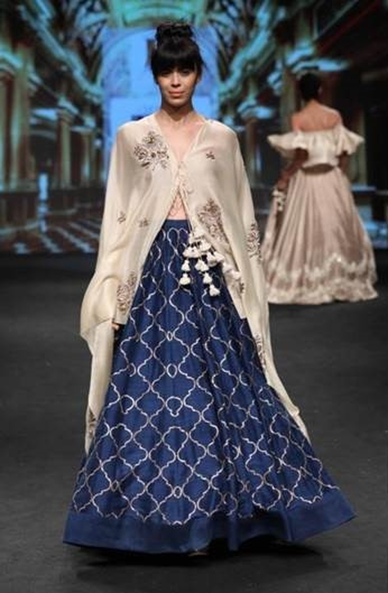 Unique Bridal Lehenga Designs Lakme Fashion Week 2017