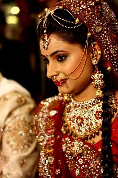 Heavy jewellery designs for the bride