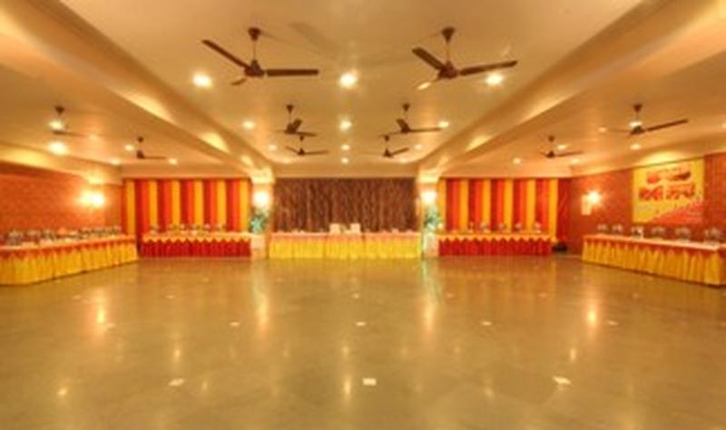 Shree Lakhamshi Napoo Hall Matunga Mumbai Banquet Hall WeddingZin