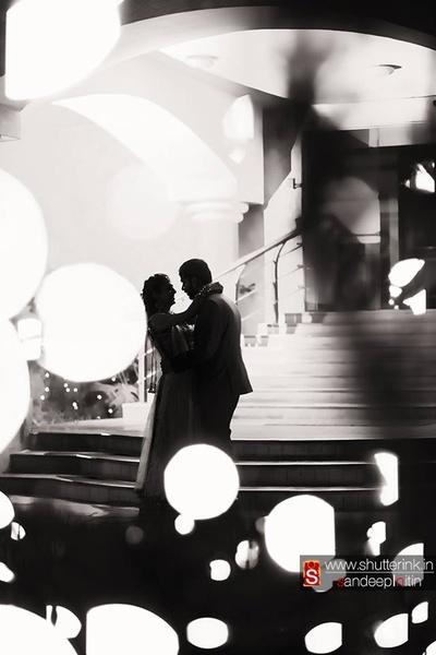 Romantic, fairytale pose for the pre-wedding photo shoot