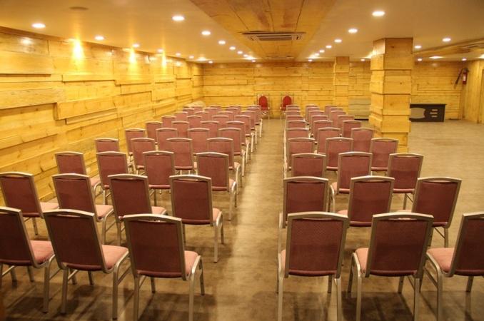 Hotel Avadh Inn Jivrajpark Ahmedabad - Banquet Hall