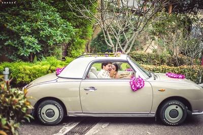 Floral decorated wedding ride for a destination wedding !