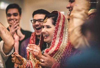 Varmala exchange between the bride and groom
