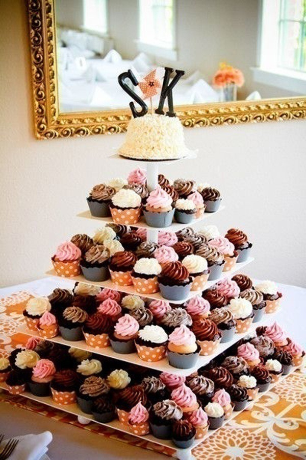 Downsize: Cupcake Wedding Cakes
