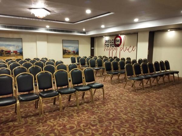Hotel Mapple Wagholi Pune - Banquet Hall