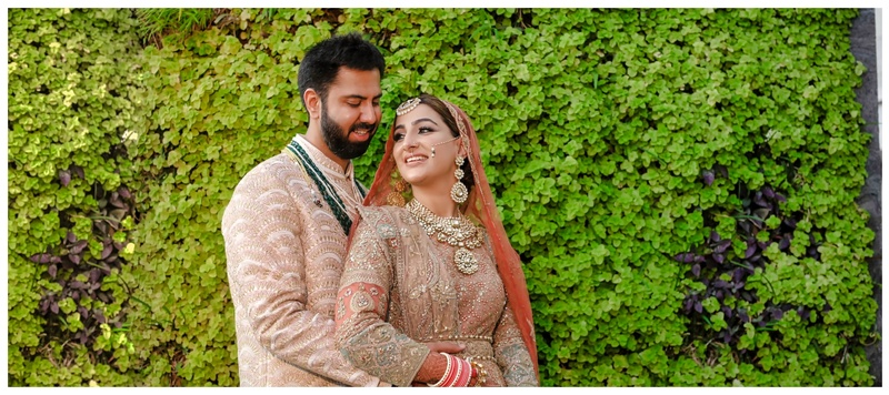 Ricky & Tanya Pune : This gorgeous duo's grand wedding had a beautiful plush decor falling right out of a fairytale!