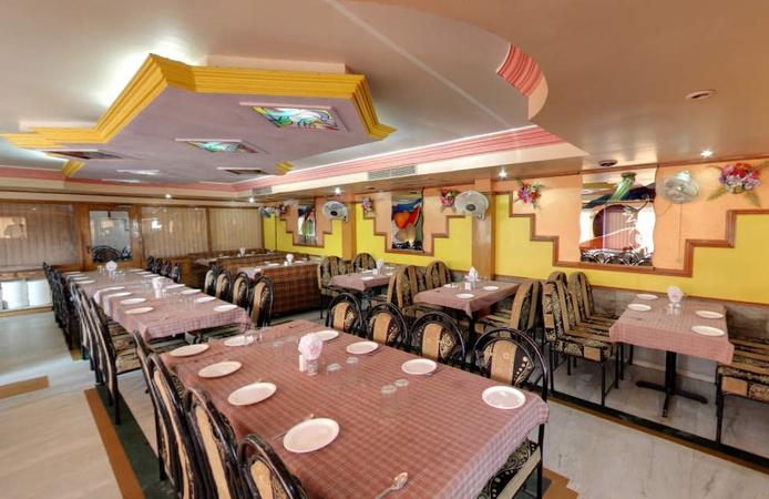 Surbhi Restaurant Hatkeshwar Ahmedabad - Banquet Hall
