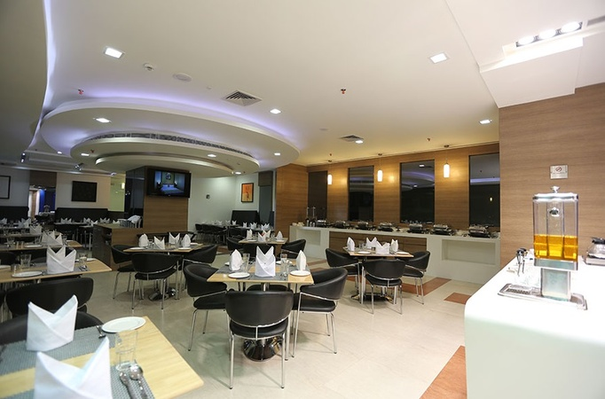 Hotel Hyphen Premier Surya Palace Colony Meerut - Banquet Hall