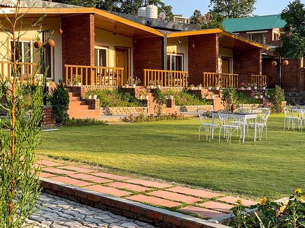 The River's Edge Farm Malsi Dehradun - Wedding Lawn