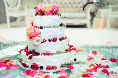 Sumptuous engagement cake for bride and groom