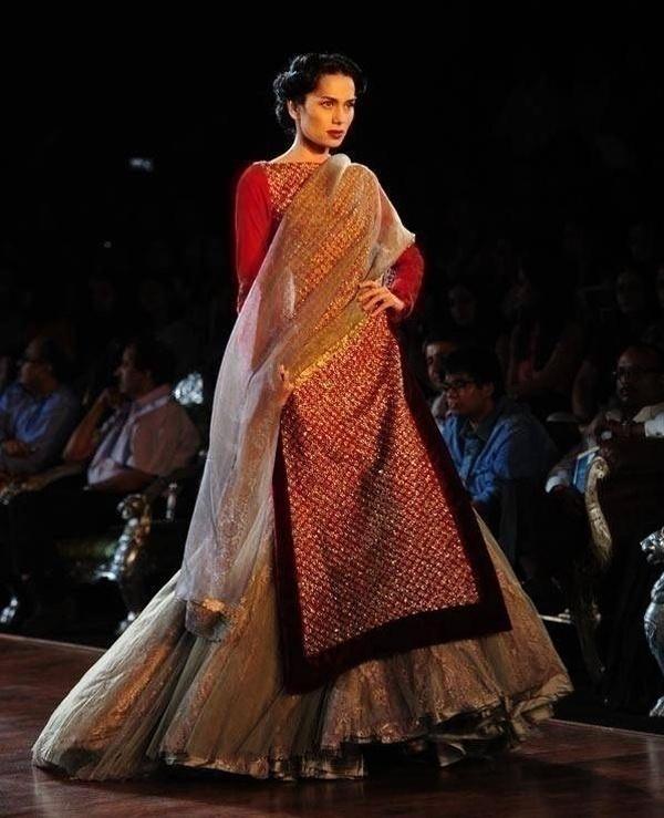 Gorgeously patterned wedding lehenga for brides by designer Manish Malhotra