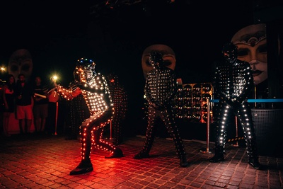 extremely cool light dance