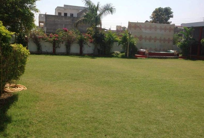 R S Lawn Hudkeshwar Road Nagpur - Banquet Hall