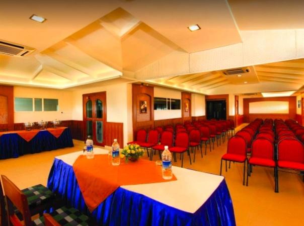 Hotel Prayana Kaloor Kochi - Banquet Hall