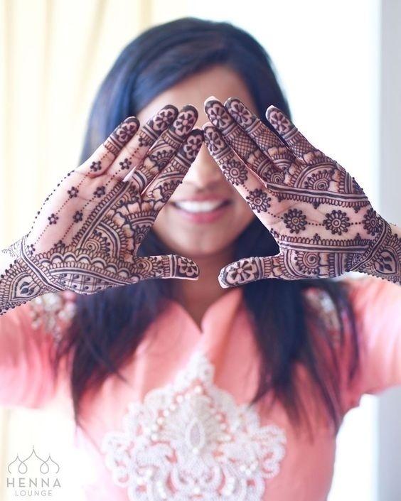 20 Simple Mehndi Designs For The Minimalist Bride Blog