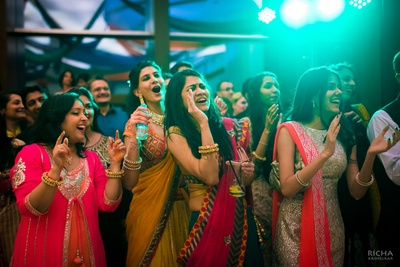 You can't help but end up shouting and cheering this enthusiastic bride