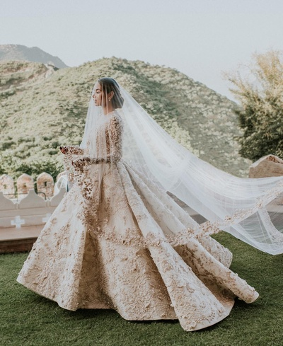 exuberant bridal wedding gown for the wedding ceremony