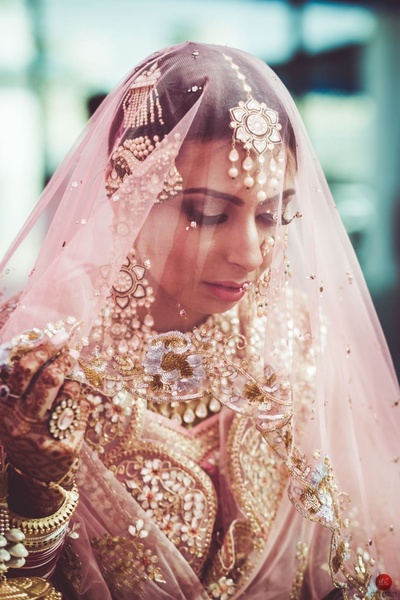 Flawless make up and kundan jewellery make for the perfect combination
