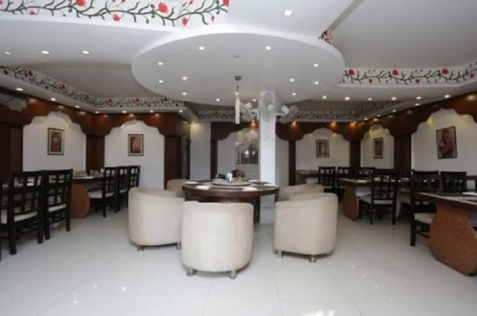 Hotel M House Tajganj Agra - Banquet Hall
