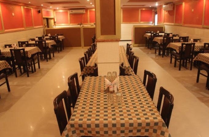 Lucky Restaurant Khyora Kanpur - Banquet Hall