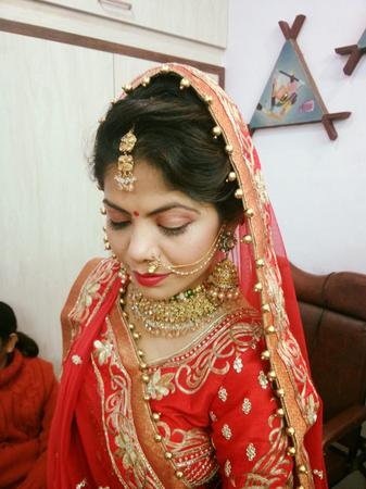 Sakhi Beauty Clinic | Baroda | Makeup Artists