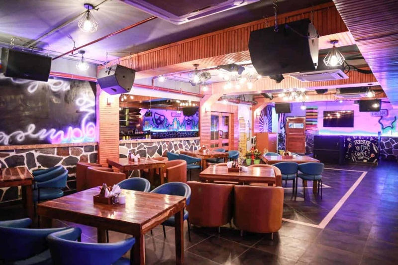 Cocktail Party Places in Agra to Host Splendid Party with your Loved Ones