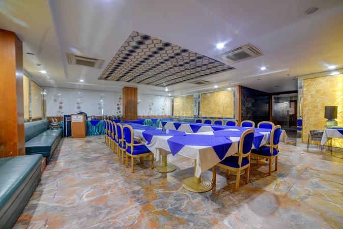 Hotel Blue Sapphire Kamla Nagar Agra - Banquet Hall