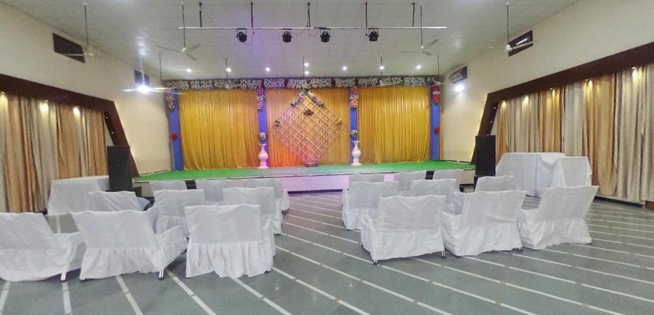 Prashanti Garden Nanakheda Ujjain - Banquet Hall