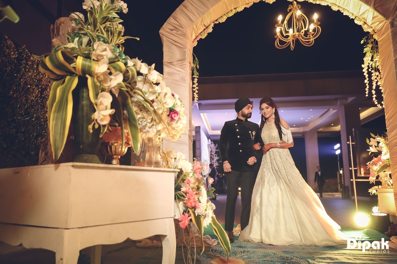 Sandeep & Manjot Chandigarh : Manjot and Sadeep got hitched at JW Marriott, Chandigarh and you won't believe her bridal pictures!