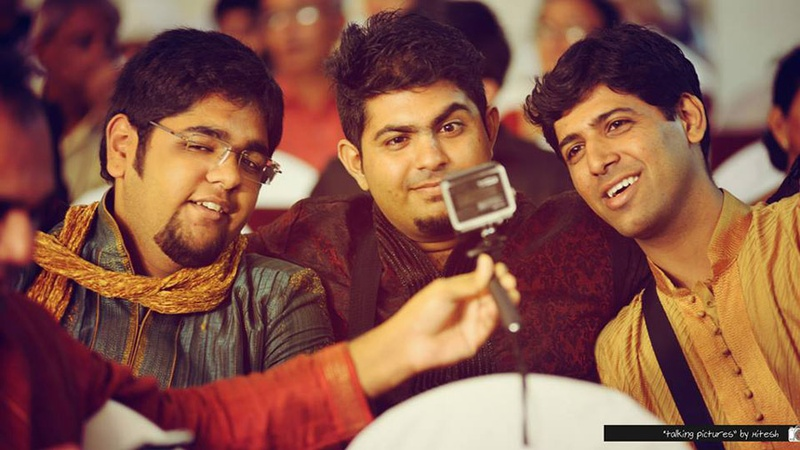 Ways to Use a Selfie Stick at a Wedding - Yes, Without Getting Selfie-ish