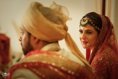 The way she looks at him! Gorgeous bride captured in a candid shot!