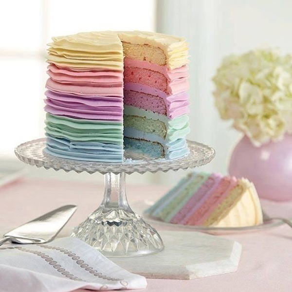 Enticing: Ombre & Ruffle Wedding Cakes
