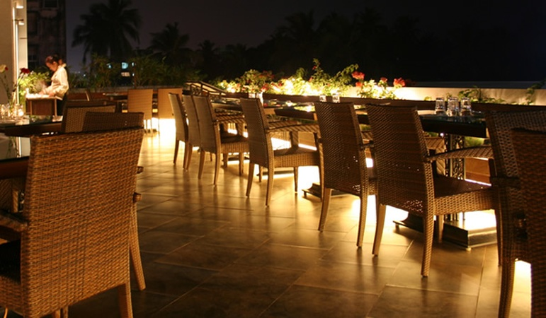 Juhu residency boutique hotel address juhu residency for Best boutique hotels in mumbai