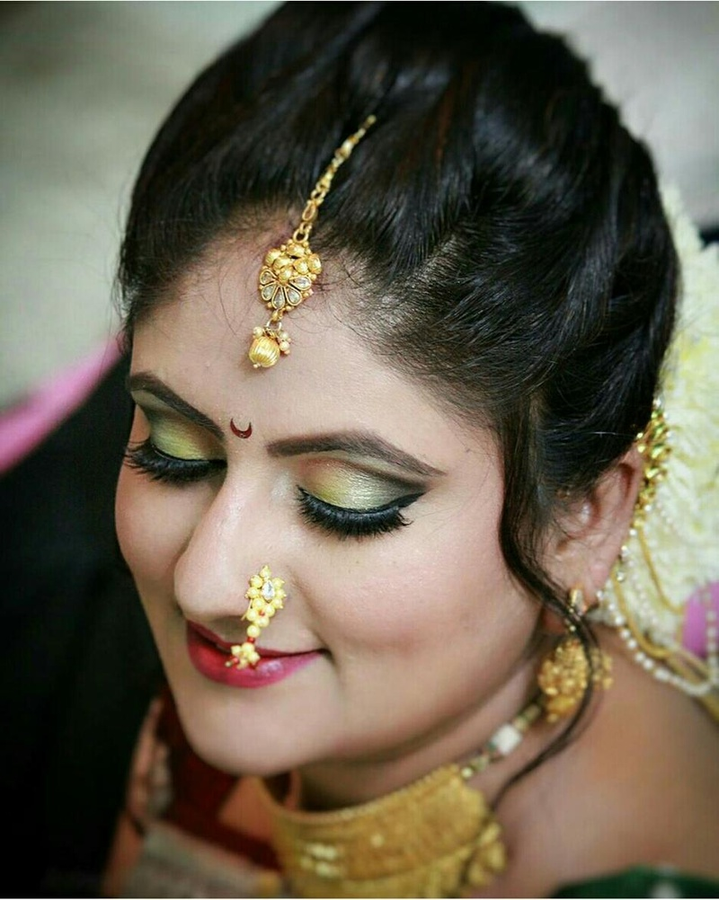 If you have always dreamt of having a flawless makeup on your wedding day, then Jayshree Makeup & Hair Designer is that makeup artist in Mumbai that you ...