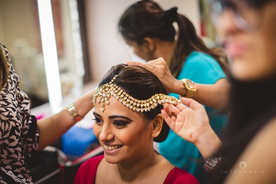 Bride chose Farzana Jussawalla as her MUA for that flawless look styled with polki studded wedding jewellery