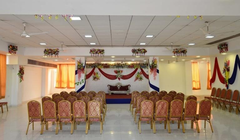 Hotel Sanskar Upvan Kolar Road Bhopal - Banquet Hall
