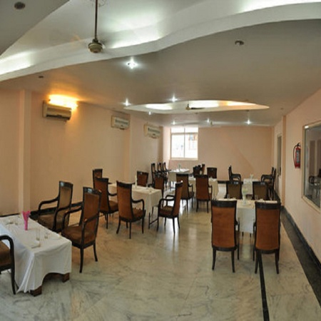 Hotel Queensland INA Colony Amritsar - Banquet Hall
