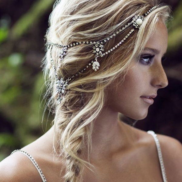 Fine Piece of Necklaces Too Find a Spot on Your Hair