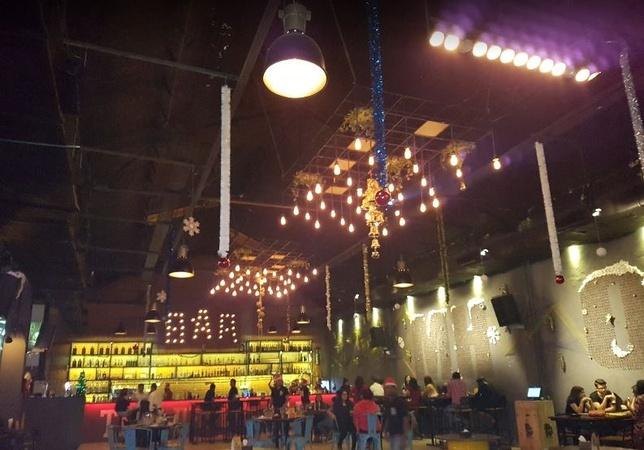 MH04 The Drunk Yard Thane West Mumbai - Banquet Hall