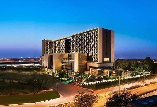 Leela Ambience Convention Hotel - Karkardooma