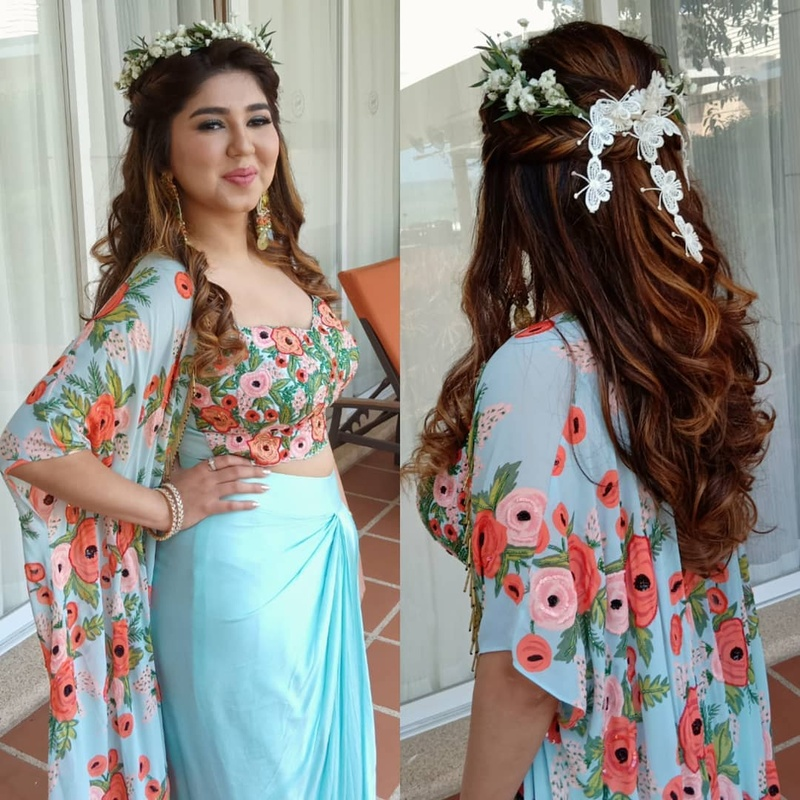 b7e87e435d Wedding hairstyle ideas for mehndi, sangeet, wedding & reception! - Blog