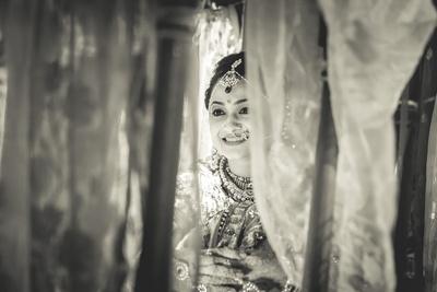 Peeping through Palki for the wedding ceremony