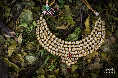 Kundan jewellery worn by the bride for her wedding function