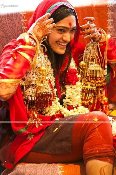 Bride beautified in Kaliras and garland