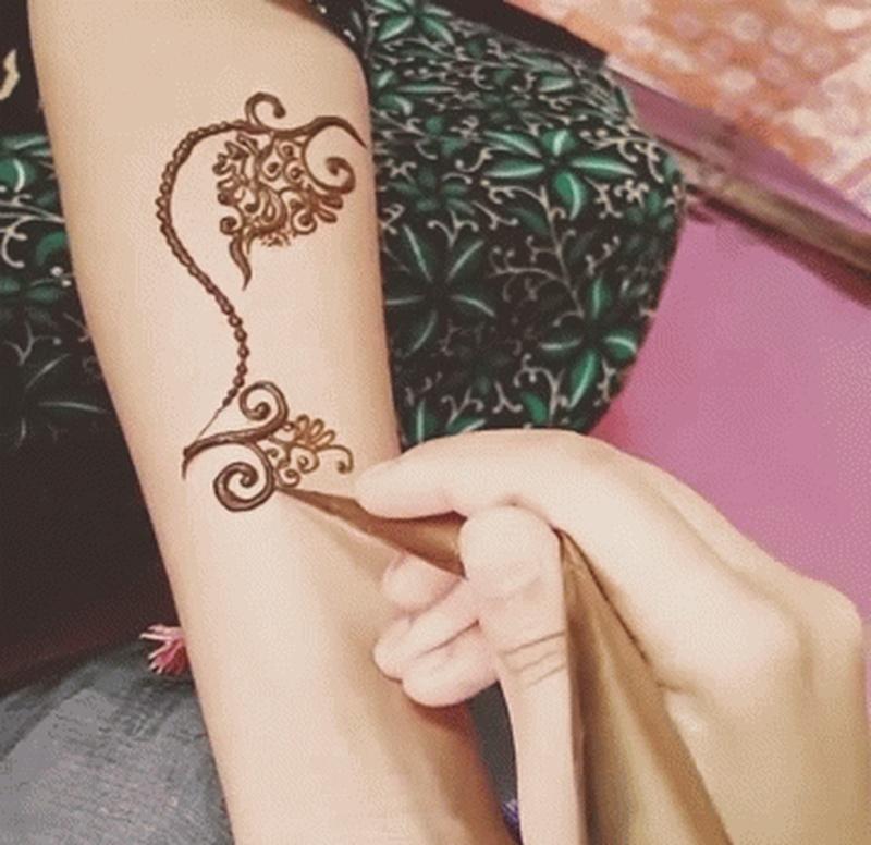 Stunning Mehndi Designs for Everyone in The Bridal Entourage!
