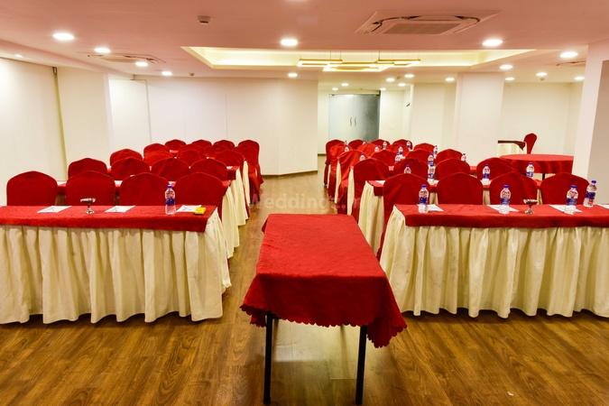 3 by OYO Nami Residency Ellis Bridge Ahmedabad - Banquet Hall