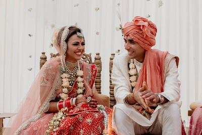 Capturing Pragya and Harsh in their happy moment.