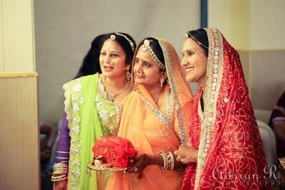 Heavy border Rajasthani saree in elegant colors and classic design