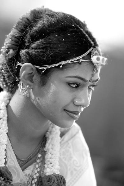 Candid wedding photography captured by Deepak Chabaria